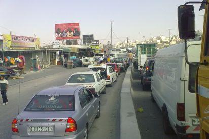 نفايات شارع رام الله القدس مكرهة بيئية وصحية.. من المسؤول؟