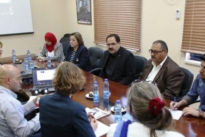 التربية وبيالارا تناقشان توسيع برامج التربية الإعلامية في المدارس