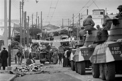 فيلم معركة الجزائر: ما بين سواد المستعمر وبياض المتحرر