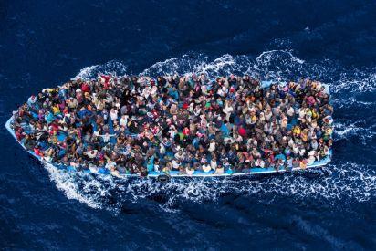 خيار الهجرة يلوح للشباب الغزي، فماذا قالوا؟