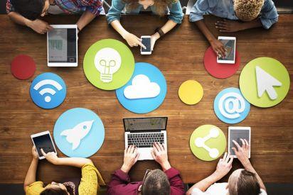 هل نحن سعداء فعلا على مواقع التواصل الاجتماعي؟